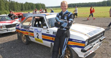 Mikko Hirvonen Autoglym-ralliin Ford Escortilla
