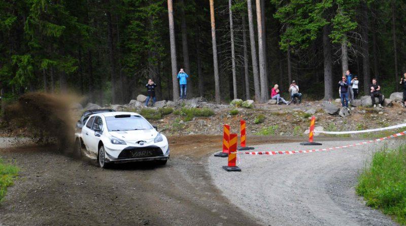 Jari-Matti Latvala testeissä
