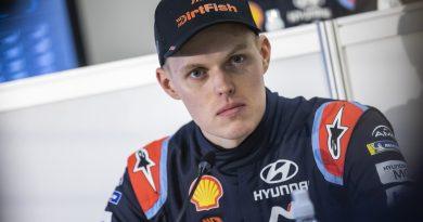 """Tommi Mäkisen talli pahin uhka puolustavalle mestarille Viron MM-rallissa  – """"Iso haaste lyödä Toyotat nopeassa kisassa"""""""